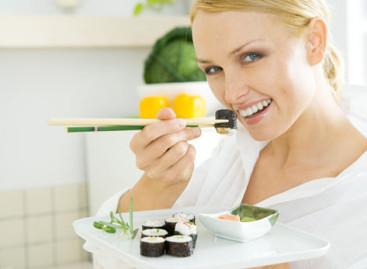 Как правильно пользоваться палочками для суши